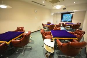 ヴィラ本栖 2階 娯楽部屋(麻雀ルーム) 全自動卓4台完備です