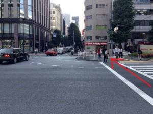 銀座さとう 昭和通りを渡る