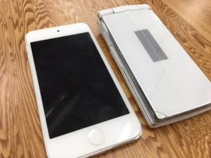 ガラケーと旧型iPod touch5