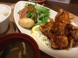 米どころん から揚げの黒酢ソース タルタル