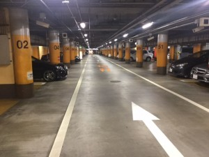 新京橋駐車場内